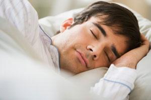 man-sleep-good-how-much-300x200