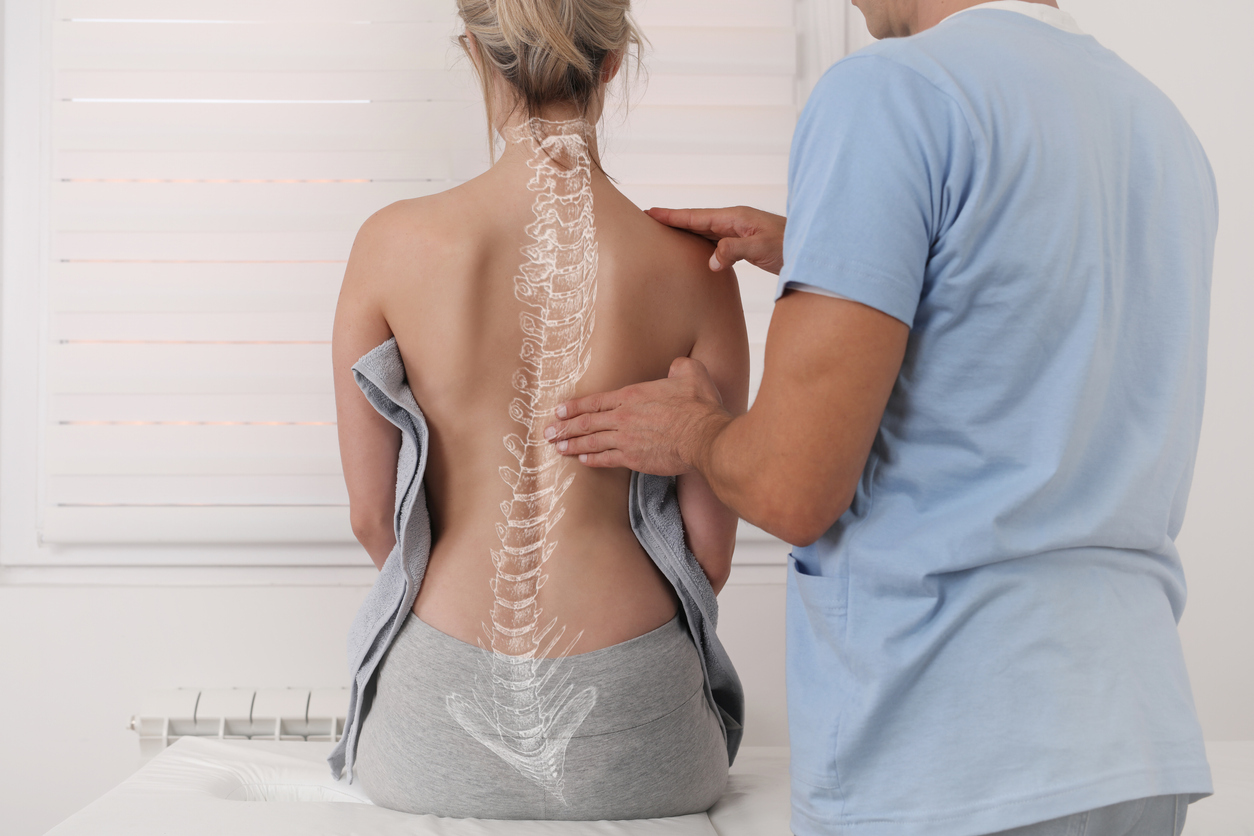 How scoliosis is diagnosed